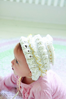Frilly_baby_hat_small2