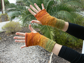 Autumn_mitts_small2
