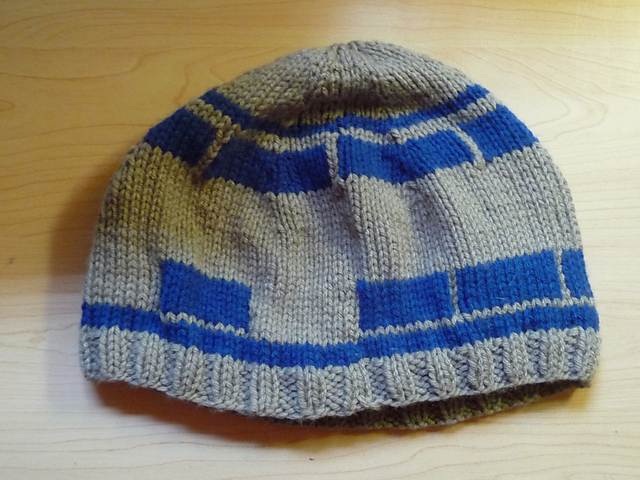 Knitting Pattern For R2d2 Hat : R2D2 Hat - KNITTING