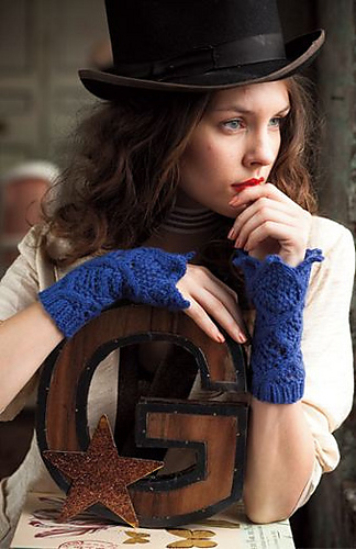 To_the_point_gauntlets_vogue_knitting_holiday_2011_straight_medium