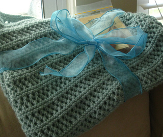 Img_aqua_lace_shawl_small2