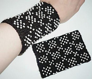 Beaded_wrist_warmers1_small2