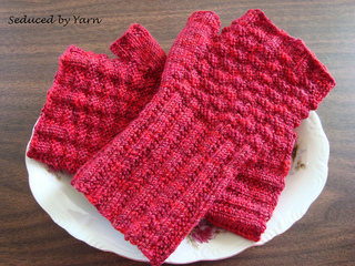 Basketry_mitts_finished3_small2
