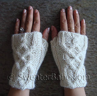 Cabled_fingerless_gloves3_500_small2