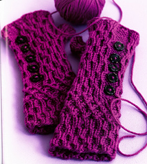 Smocked_mitts_small