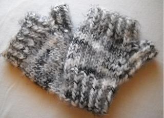 Ladies__quick_fingerless_gloves_small2