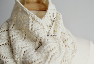 Greyhaven_white_cowl_mannequin_twig_blog_small2