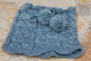 Sweaterbabecowl1_small2