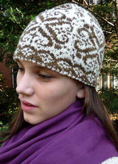 Natural_pinecone_ann_-_hat_cropped_small2
