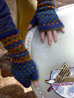 Mitts_with_canoe_small2