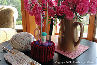 Image_1886_knitcushionroses_fb_small2