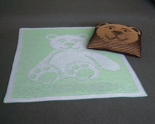 Bear___cushion_800_small2
