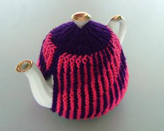 Pink_tea_cosy_800_small2