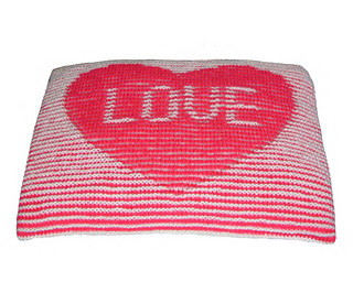 Heart_cushion_800_small2