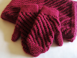 Scarfandmittens_small2