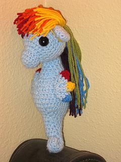 Rainbow_dash_-_sea_pony_3_small2