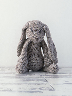 Edwards_menagerie_crochet_bunny_small2
