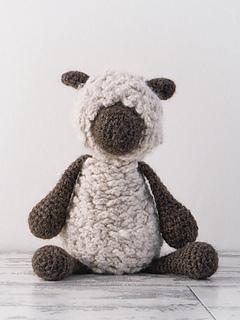 Edward_menagerie_crochet_amigurumi_hank_dorsetdownsheep_small2
