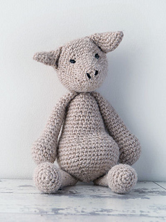Edward_menagerie_kerry_lord_crochet_pig_small2