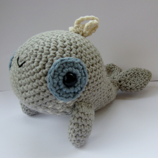 Whale_003_small2