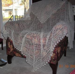 Unst_bridal_shawl_small2