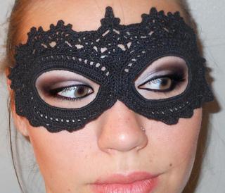 Free Crochet Halloween Mask Patterns : Ravelry: Crochet Lace Masquerade Mask pattern by arhoglen
