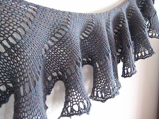 Awkwardsoul-lichen-knitted-shawl-11_small2
