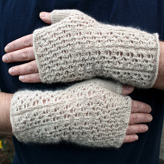 Cashmere_mitts_done_0002_small2