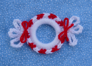 Peppermint_ring_ornament_small2