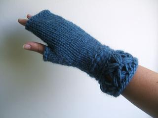 Breeze_fingerless_mittens_small2