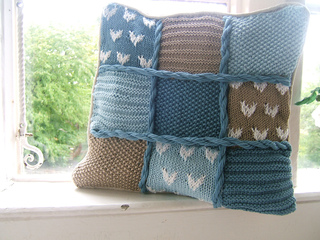 Beach_hut_cushion_cover1_small2
