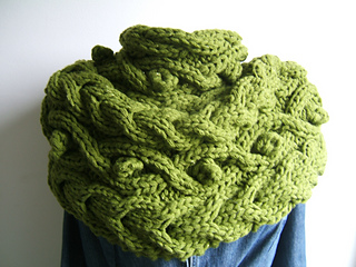 Forest_cowl_effect_neckwarmer_small2