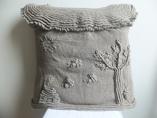 Bee_theme_cushion_cover_small2