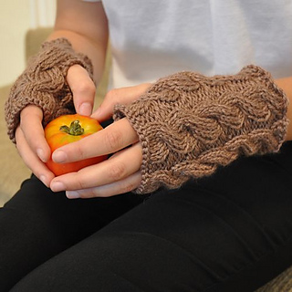 Bessie_may_nettle_mitts___wrist_warmers1_small2