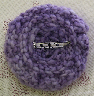 Flowerbrooch-back_small2
