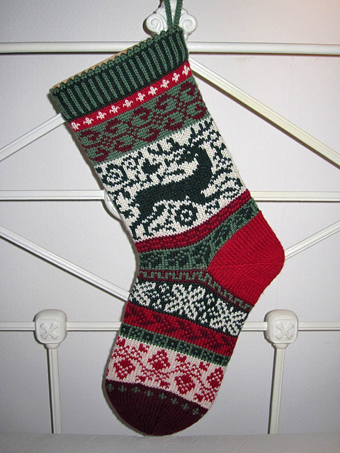 Patterns For Knitted Christmas Stockings : Knitting Update - Life Less Messy