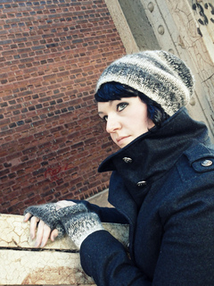 Slouchy_pom_hat2_small2