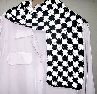 Checkerboard_20scarf_20black_small2