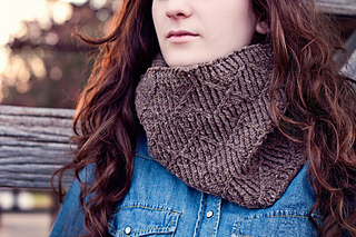 Long_cowl_wrapped__1024x683__small2