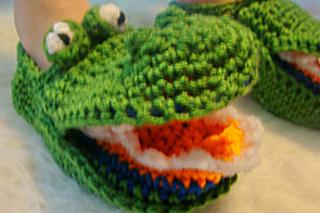 485_gator_slipper_small2