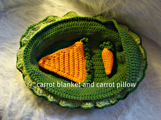 534_carrot_blanket_and_pillow_small2