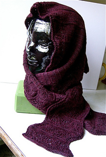 Waves_of_lace_hooded_scarf_1_small2