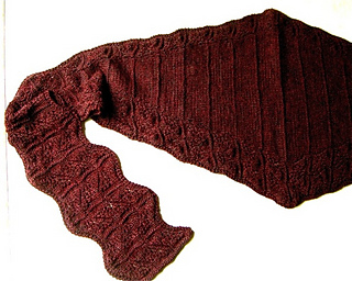 Waves_of_lace_hooded_scarf_-_flat_small2