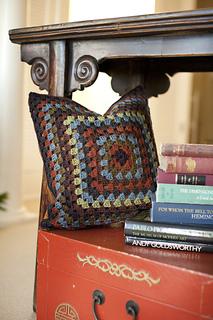 Granny-square-pillow2_small2