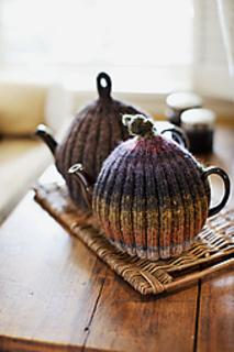Ribbed-tea-cozy2_small2