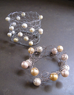 Wire-pearl-cuff-displayed-140420_small2