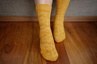 Gingko_socks_pattern_1_small2