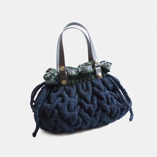 Miranda_knitted_bag2_small2