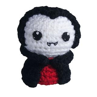 1108-03-crochet-amigurumi-vampire_small2
