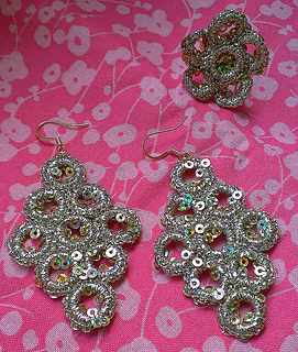 Medallion_earring_small2